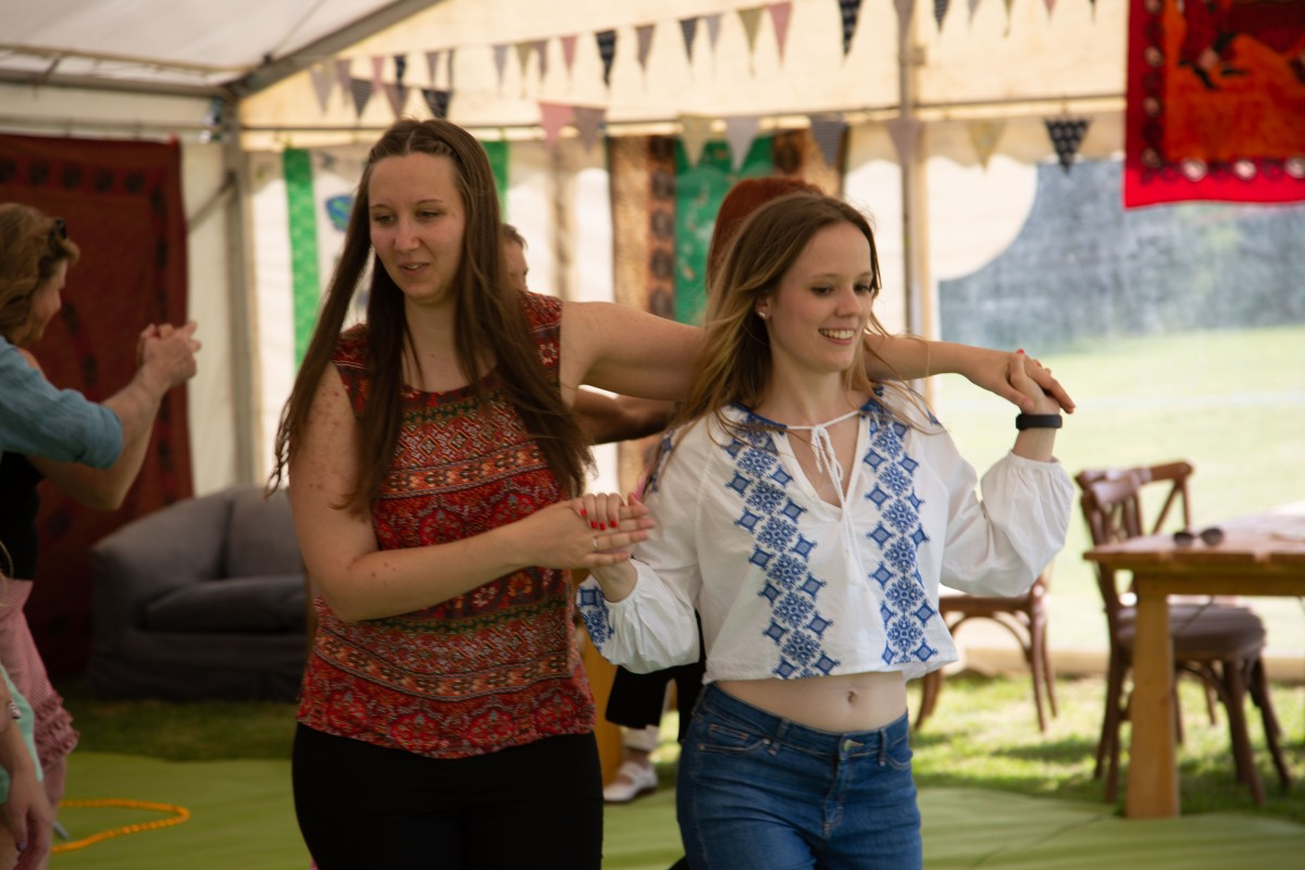 Beautiful garden Party with the Hessle Ceilidh Band-10 | Hessle ...