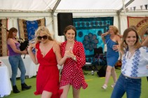 Beautiful garden Party with the Hessle Ceilidh Band-12
