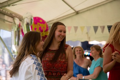 Beautiful garden Party with the Hessle Ceilidh Band-18