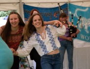 Beautiful garden Party with the Hessle Ceilidh Band-21